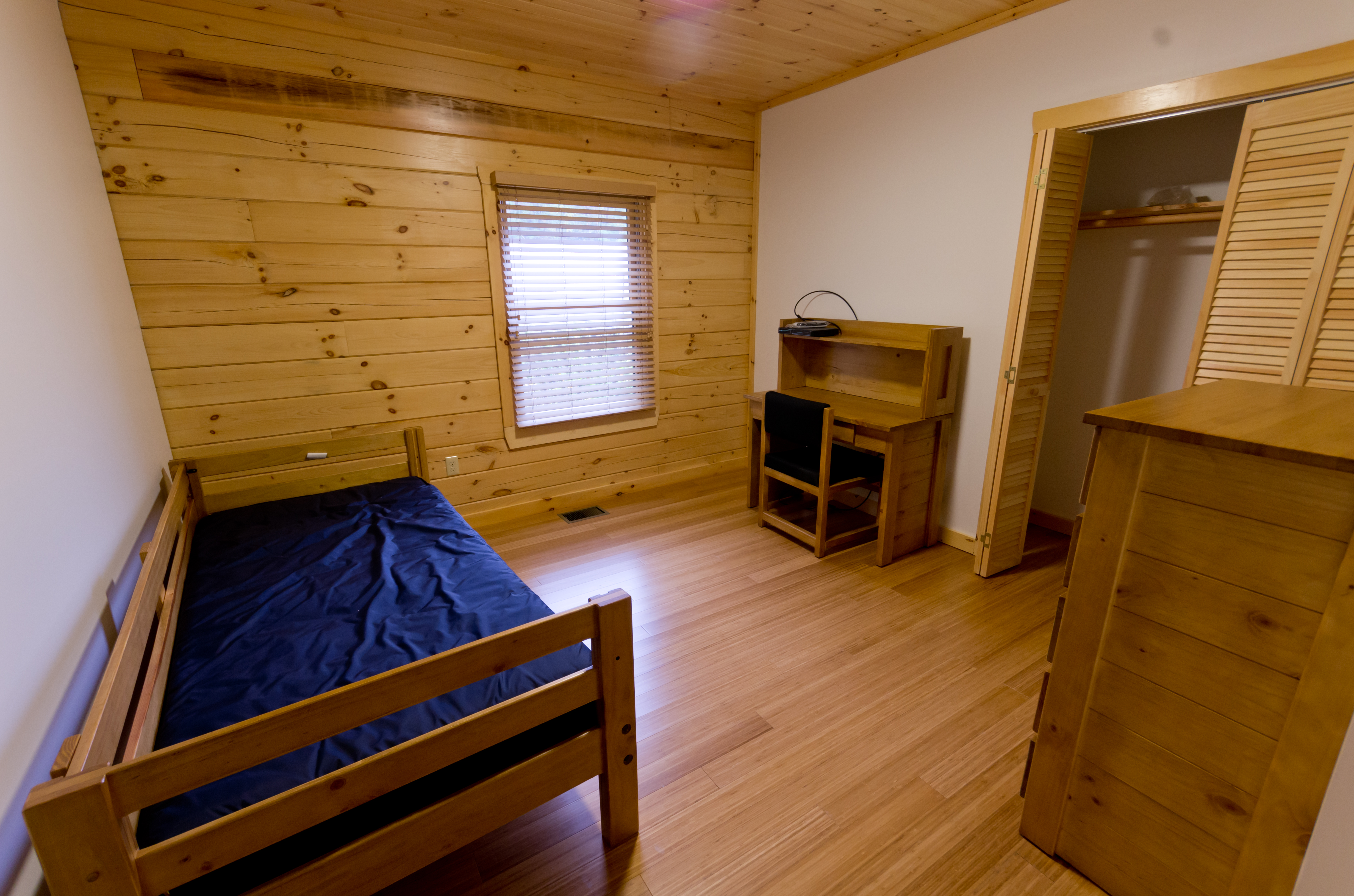 Calder Cabin Bedroom