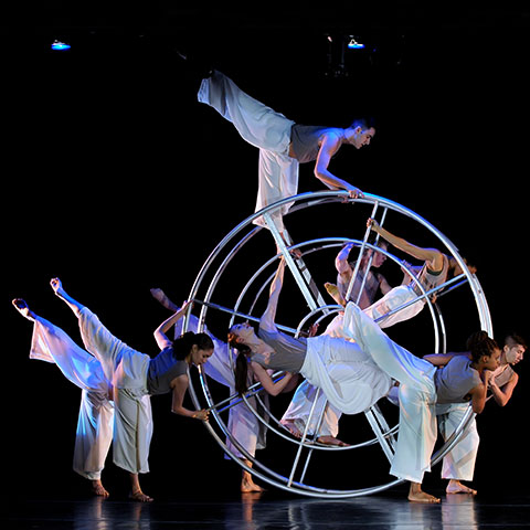 Dancers on Wheel