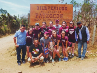 Fordham students in guatemala.