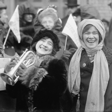 Women's suffragists demonstrate in February 1913 (Library of Congress, Prints & Photographs Division, LC-DIG-ggbain-12483,  No known restrictions on publication.)