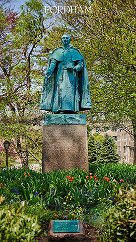 Vertical zoom background statue in spring